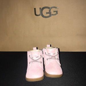 UGG Shoes - UGG KRISTJAN METALLIC 4/5